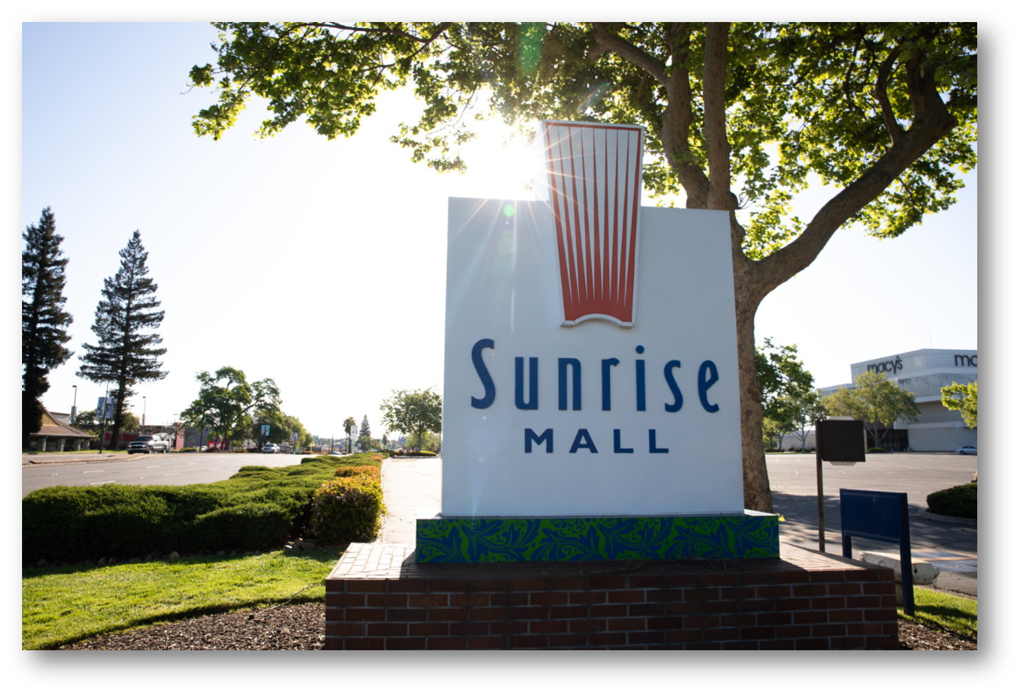 Sunrise Mall sign